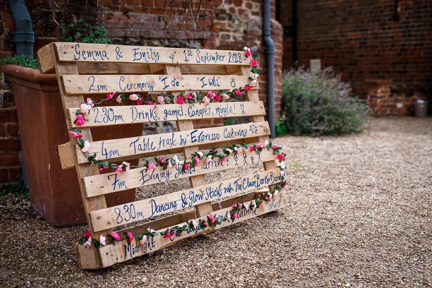 Hautbois Hall Wedding details