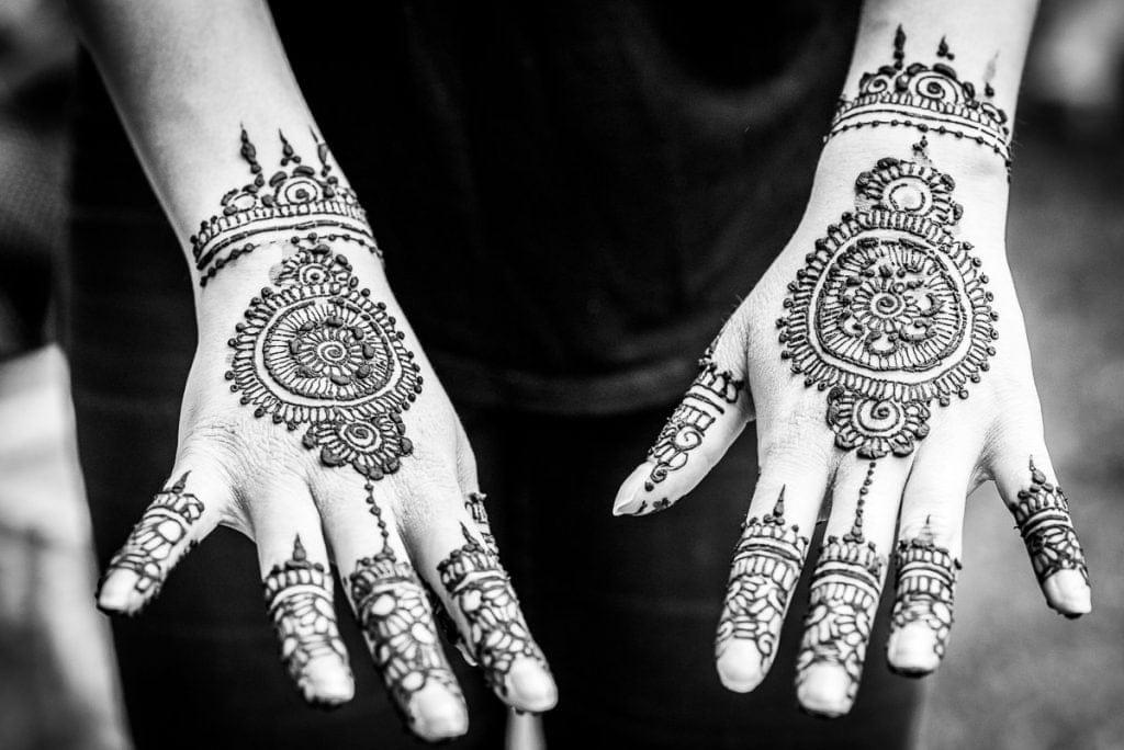 Mendi hand art